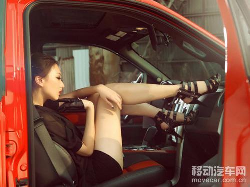 性感車模演繹極致誘惑