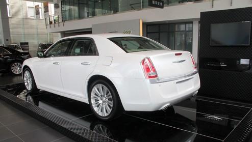 店内实车供应 克莱斯勒300CC售48.6万