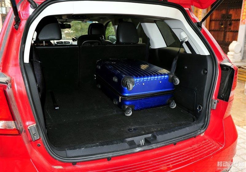 道奇酷威2.4尊尚版行李箱尺寸