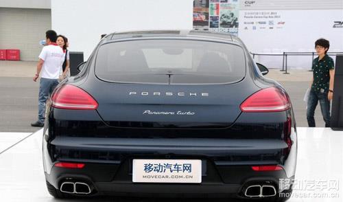 保时捷2014款panamera车尾 高清图片