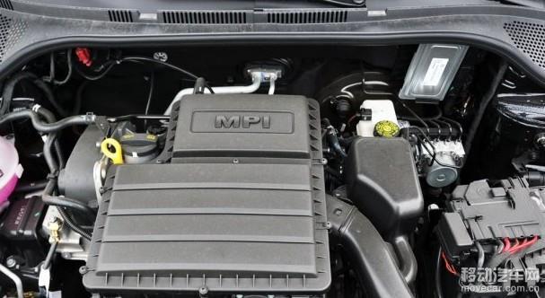 新桑塔纳1.4L手动风风尚版配备了一提啊代号为MQ200的5挡手动变速箱。 总结:这辆1.4L手动风尚型真正的市场是为中国二三线城市的出租车提供实惠的车型,所以如果有对新桑塔纳的最低配车型感兴趣的消费者一定要明白自己的需求,你是需要一辆大品牌的紧凑型轿车还是需要一辆有较多配置,舒适性更强的家用车。