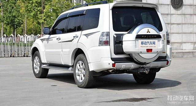 三菱的一向设计理念.   2014款进口三菱帕杰罗的轮胎配备的高清图片