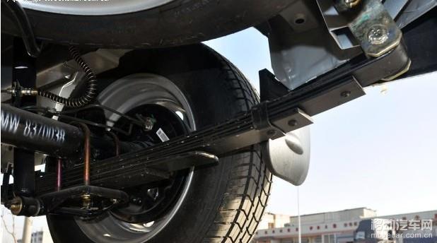 五菱荣光1.2l基本型和发动机相匹配的是一款5mt5挡手动变速箱.