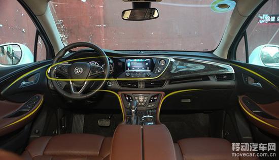 雨量感应雨刷,方向盘加热,双区自动空调,主副驾驶座椅通风和加热,氙气