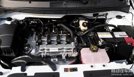 赛欧3提供两款发动机,分别是1.3L和1.5L发动机,用以代替老款赛欧的1.2L和1.4L发动机。其1.3L最大输出功率为103马力/6000rpm,峰值扭矩为127牛米/4000rpm。而1.5L最大输出功率为113马力/6000rpm,峰值扭矩为141牛米/4000rpm。