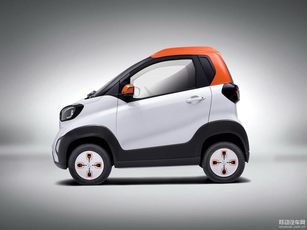 宝骏E100正式上市 售价9.39 10.99万元高清图片